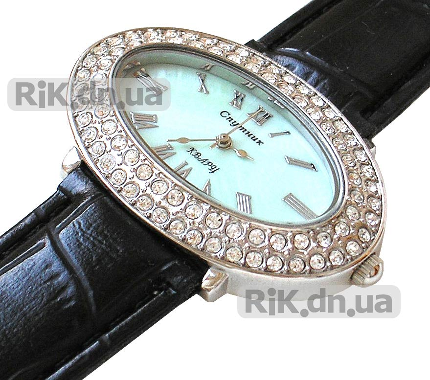 Женские часы Guess Silver-Tone Exhibition Watch